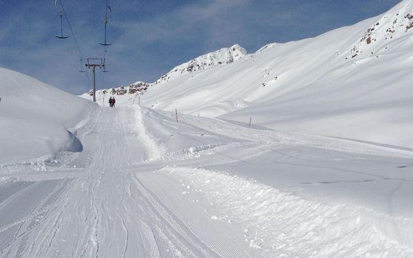 Das Skigebiet Mischuns im Val Müstair, das auf Nachhaltigkeit und naturbelassene Pisten setzt.