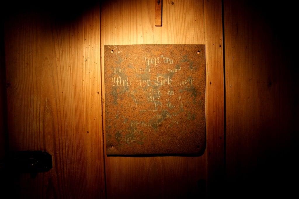 Die Tafel aus dem Bauernhof am Ämmerberg.