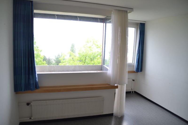 Das blaue Zimmer: Die Räume wirken zwar gebraucht, aber liessen sich gut als Atelier oder Bandraum einrichten.