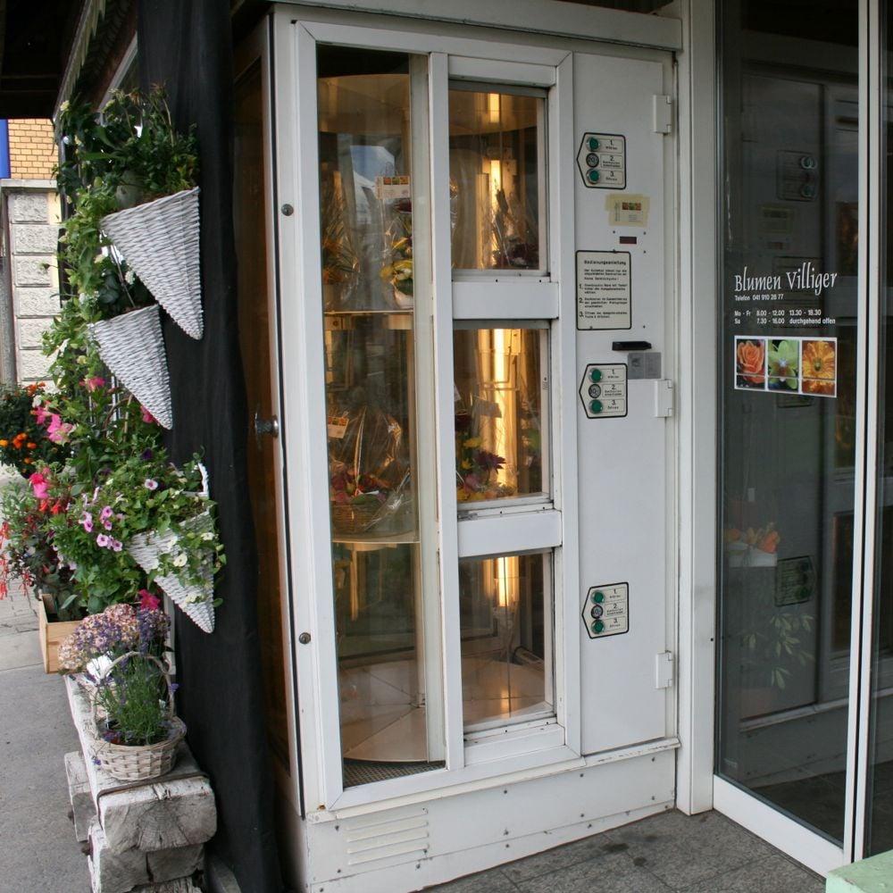 In Hochdorf waren die Leute laut Ruth Villiger erst skeptisch, als der Blumenautomat vor 30 Jahren aufgestellt wurde. Nun habe er sich etabliert.