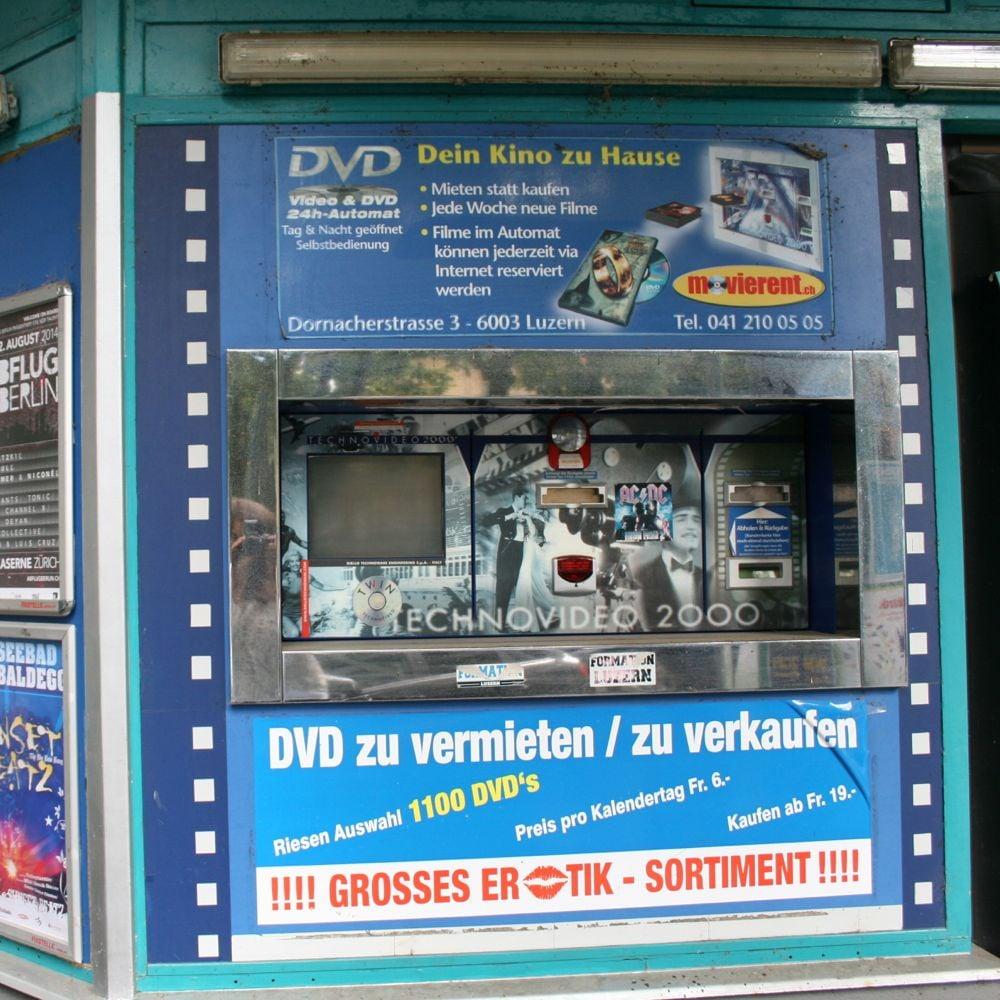 Der DVD-Automat an der Dornacherstrasse in Luzern hat auch schon bessere Zeiten gesehen.