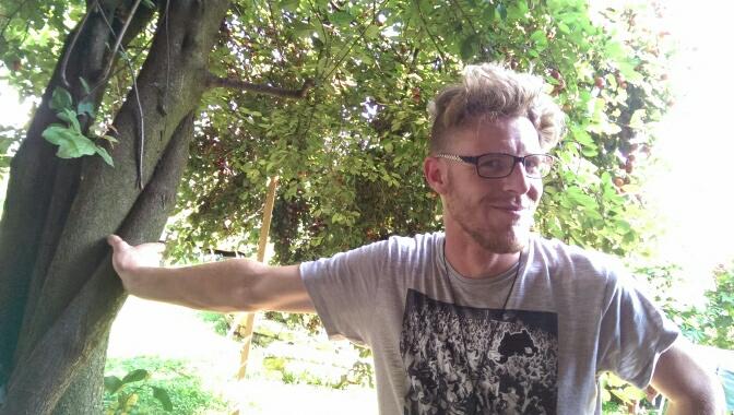 Aurelio Weibel ist 30 Jahre alt und seit zehn Jahren selbstständig als Gartenbauer tätig. (Bild: zvg)