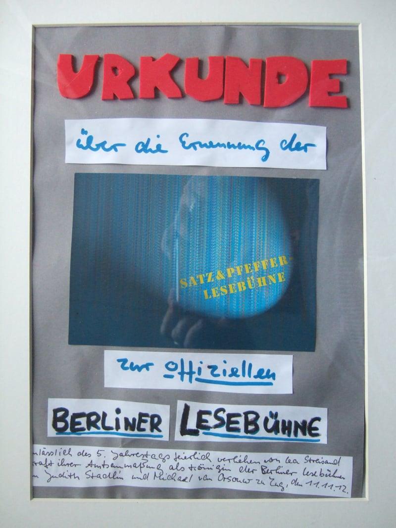 Urkundlich verbrieft: Das Oswalds Eleven ist eine offizielle Berliner Lesebühne.