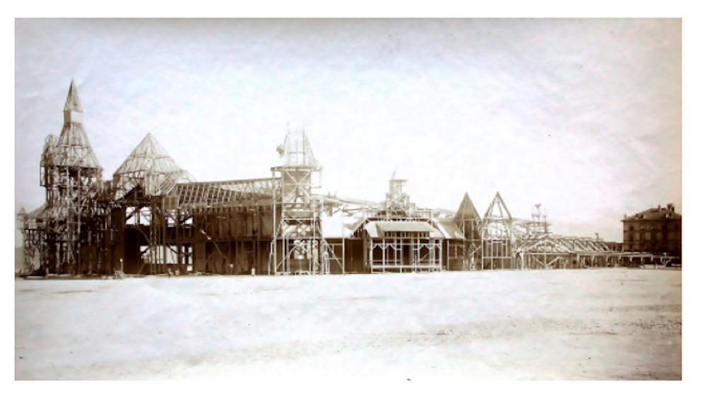Bereits um 1902, also noch mitten im Krieg, war der Bau des Friedensmuseums beendet. (Bild: Stadtarchiv Luzern: http://www.stadtluzern.ch/dl.php/de/0d510-s3uhkn/FlyerKFMLA4.pdf)