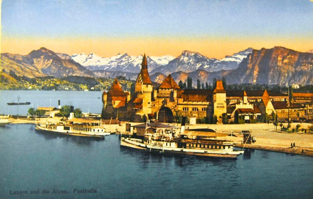 Die Postkarte «Luzern und die Alpen» zeigt das Friedensmuseum in seiner pompösen Erscheinung. (BIld. zvg)