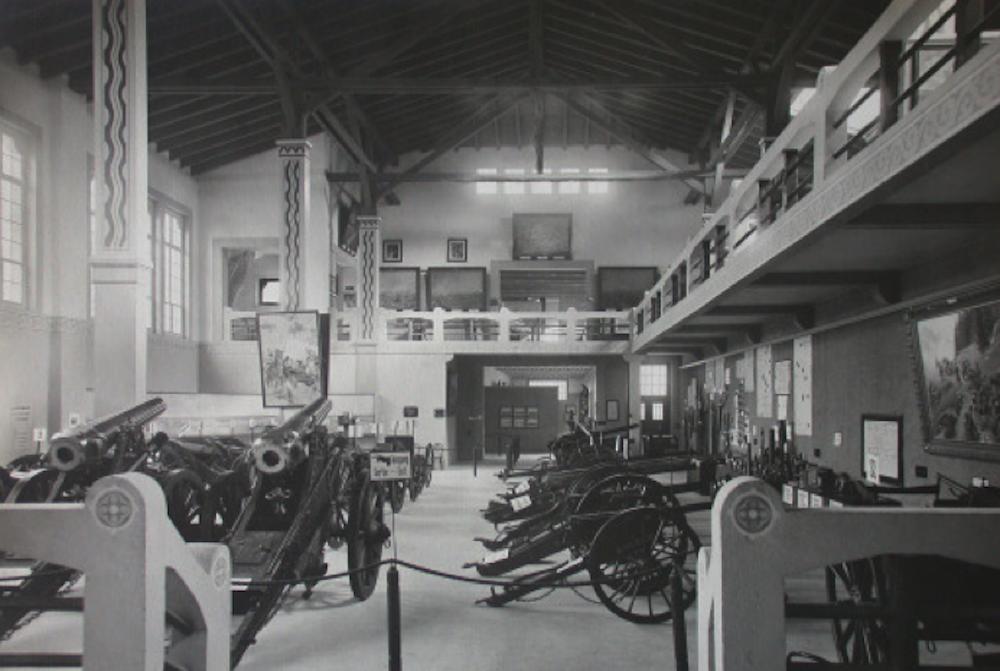 Kritik kaum auf, dass das Museum eher ein Kriegs- als Friedensmuseums ein. (Bild: Stadtarchiv Luzern: http://www.stadtluzern.ch/dl.php/de/0d510-s3uhkn/FlyerKFMLA4.pdf)