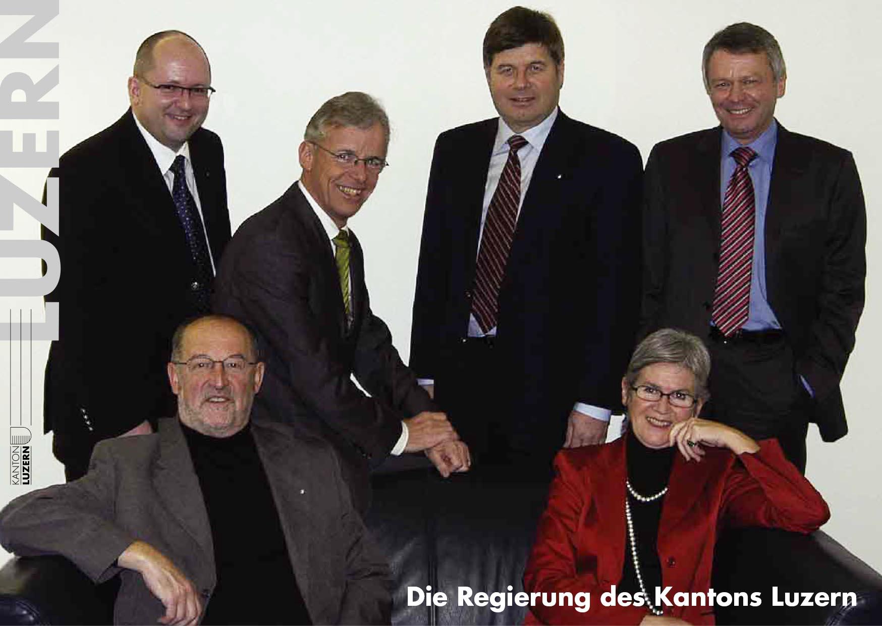 Das Foto 2006: (v.l.) Daniel Bühlmann (SVP), Anton Schwingruber (CVP), Max Pfister (FDP), Markus Dürr (CVP), Yvonne Schärli-Gerig (SP) und rechts Staatsschreiber Viktor Baumeler.
