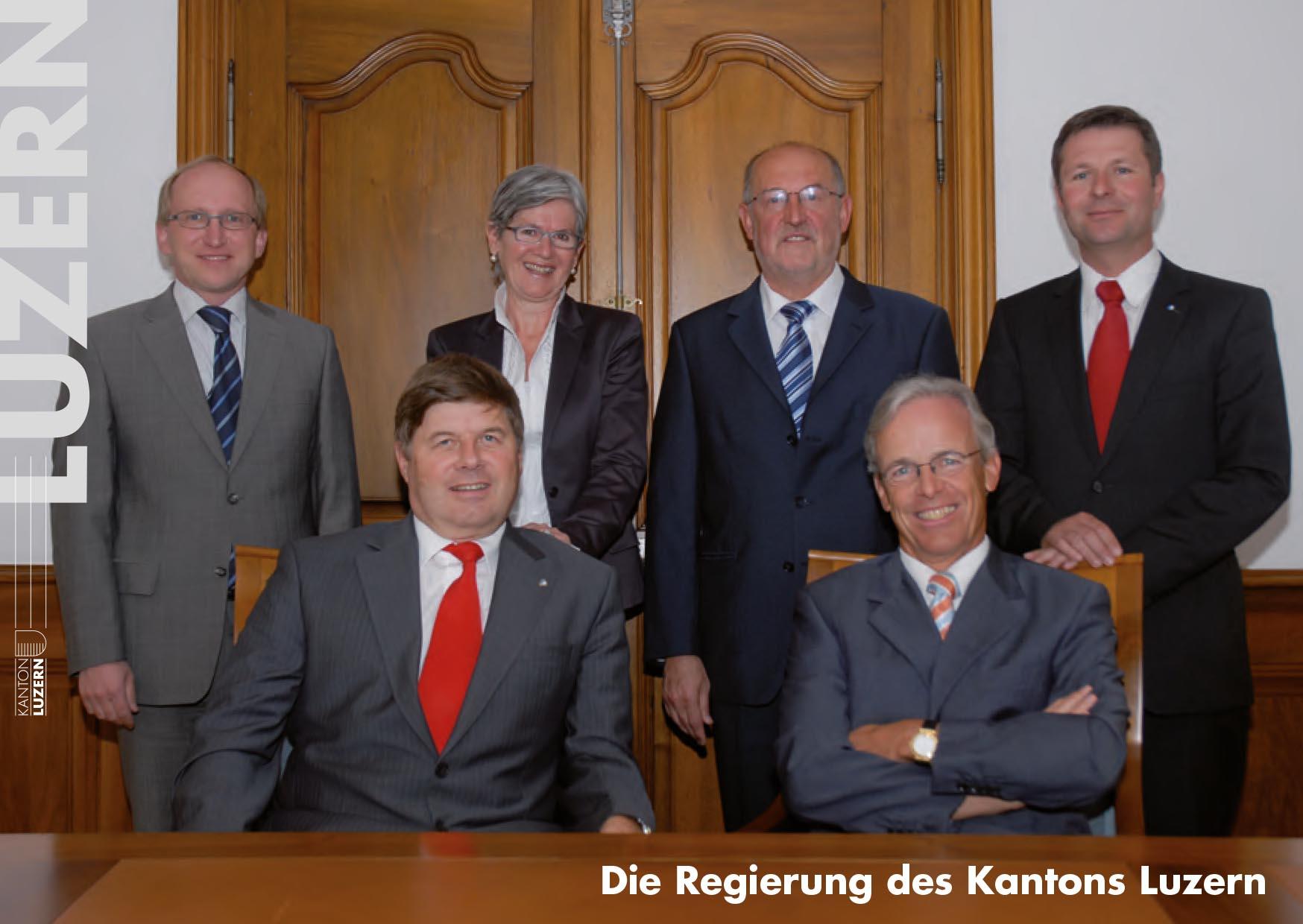 Das Foto 2009: (v.l.) Markus Dürr (CVP), Yvonne Schärli-Gerig (SP), Anton Schwingruber (CVP), Max Pfister (FDP), Marcel Schwerzmann (parteilos). Dazu kommt links (sic!) der Staatsschreiber Markus Hodel, heute Rektor der HSLU.