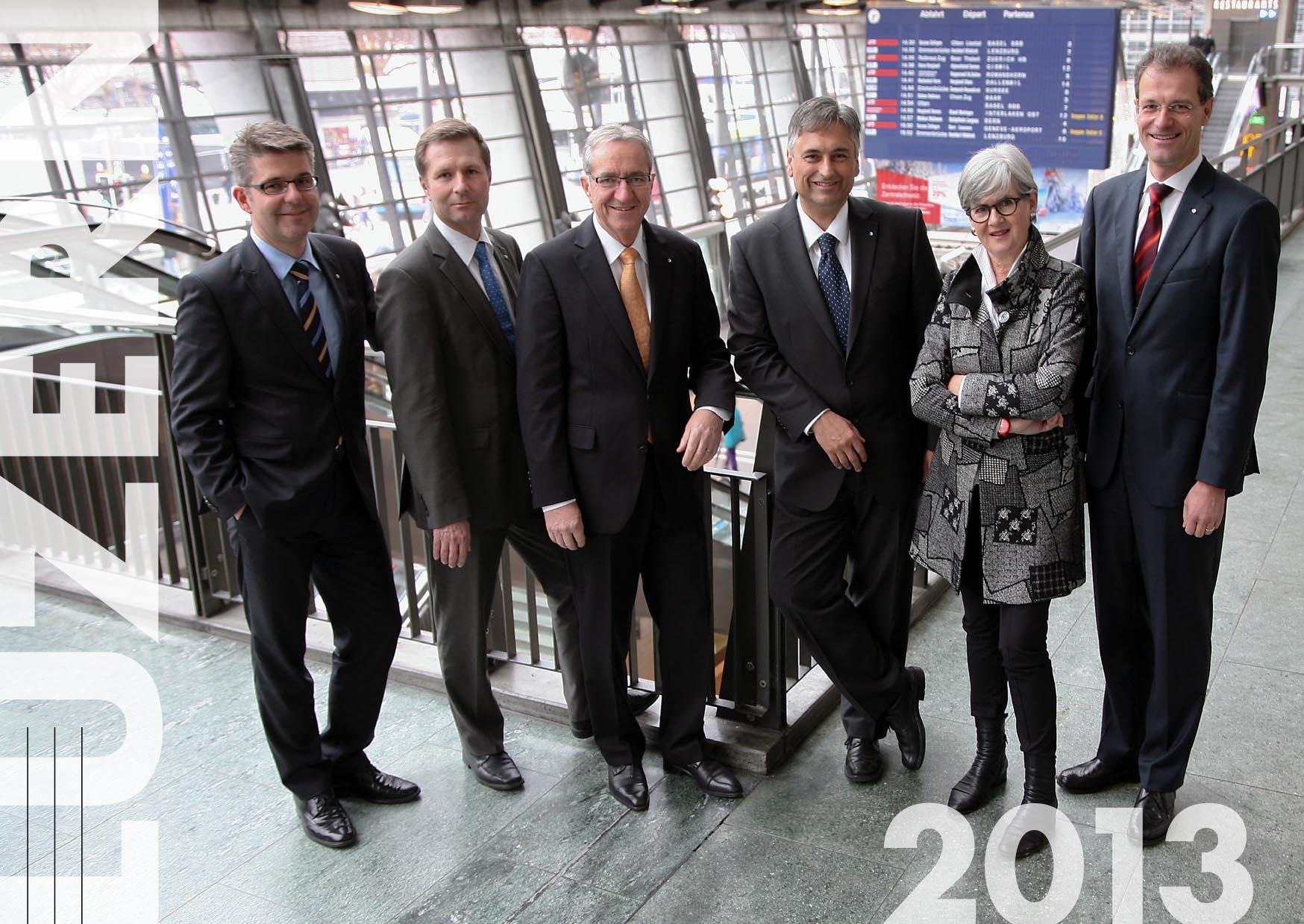Fotos 2013: (v.l.) Staatsschreiber Lukas Gresch-Brunner, Marcel Schwerzmann (pl), Robert Küng (FDP), Guido Graf (CVP), Yvonne Schärli-Gerig (SP) und Reto Wyss (CVP).