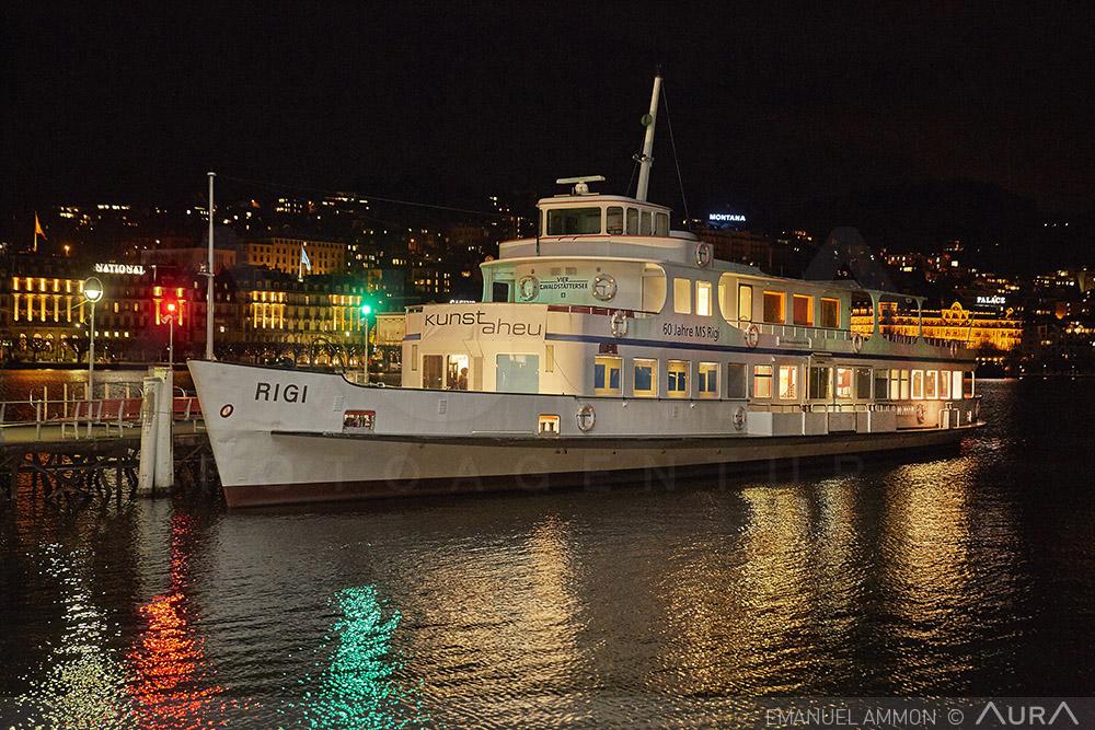 Noch bis Ende März wird das Motorschiff Rigi als Kunstplattform genutzt. Einstieg ist an der Landungsbrücke 5 beim KKL.