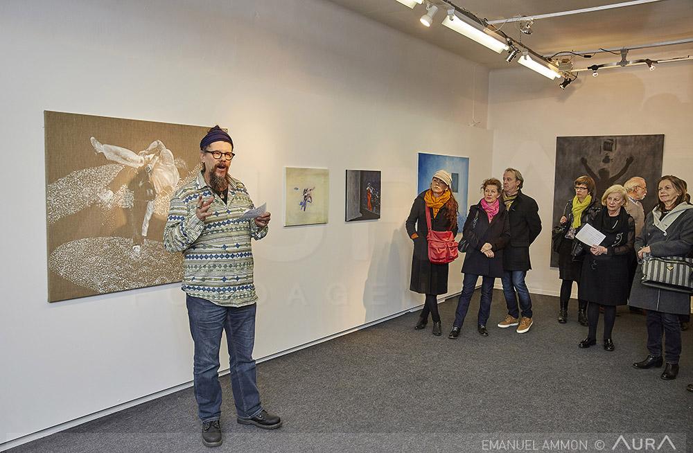 Der Kunstmaler Beat Bracher hält die Vernissagerede.