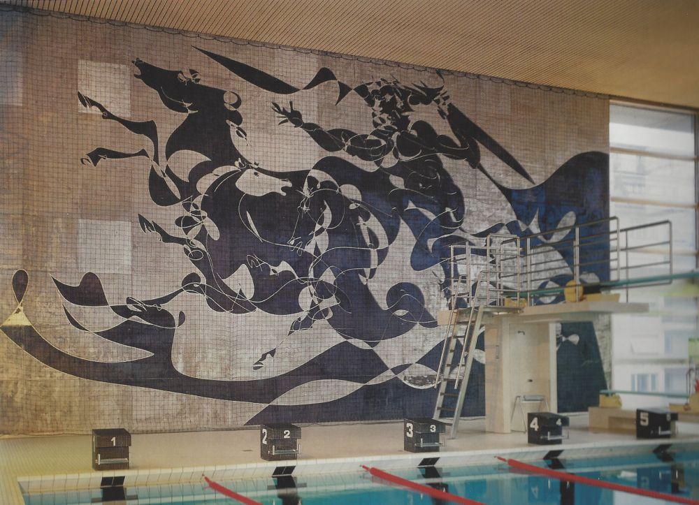 Jahrelang wachte der «Poseidon» über die Hallenbad-Gäste. Bald könnte das Mosaik im Tribschenquartier wieder aufgehängt werden.