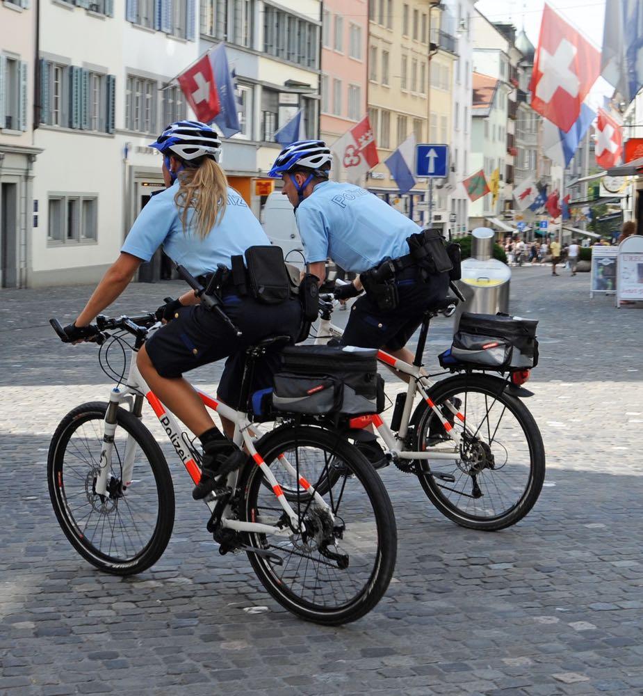 So sehen die Zürcher Velo-Polizisten aus.