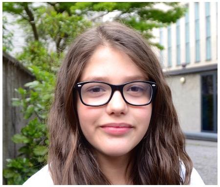 Leona, 10 Jahre alt, Viertklässlerin.