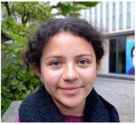 Sara, 11 Jahre alt, Fünftklässlerin.