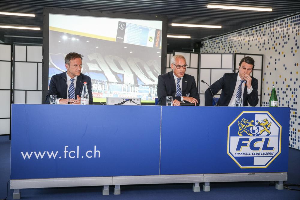 Verwaltungsrat Marco Castellaneta, Präsident Ruedi Stäger und Finanzchef Sandro Wyss präsentieren an der GV vom Dienstagabend die Jahresrechnung.