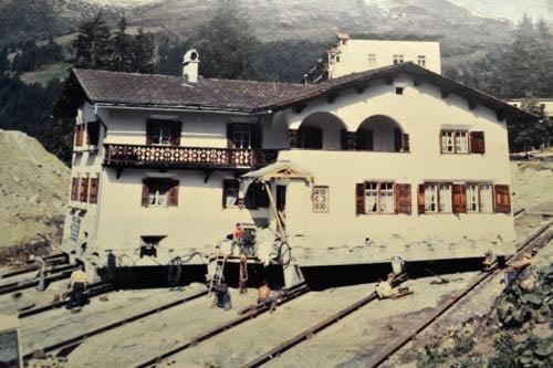 Verschoben und zurechtgerückt: Die Villa Olivia in Davos war Reto Itens Gesellenstück