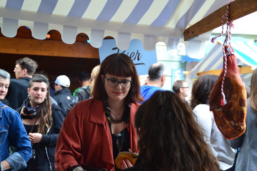 Eindrücke vom ersten Luzerner Street Food Market in der Lindenstrasse. (Bild: jav)