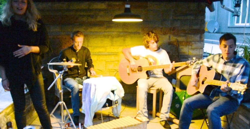 Die vierköpfige Luzerner Band «Syasuun» macht mit Leidenschaft Musik. Und hat eine ausgeklügelte Marketingstrategie entwickelt.