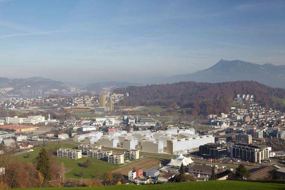 All die weissen Bauten in der Bildmitte sind Teil des Projekts Schweighofpark in Kriens.