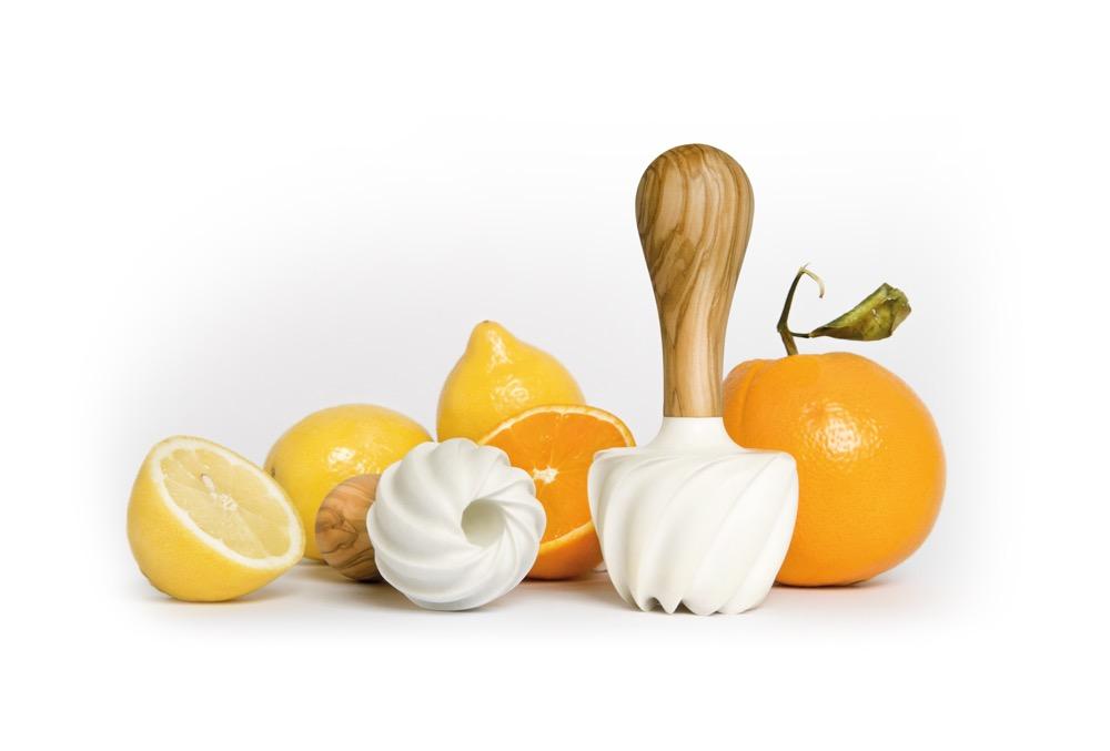 Eine saftige Idee: Die neuartige Zitruspresse made in Lucerne revolutioniert die Küche.