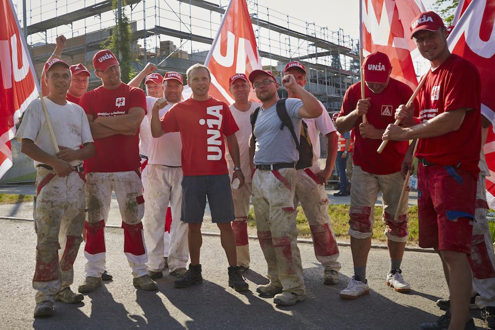 Die Gewerkschaft Unia unterstützt die Arbeiter in ihren Forderungen. (Bild: Jakob Ineichen)