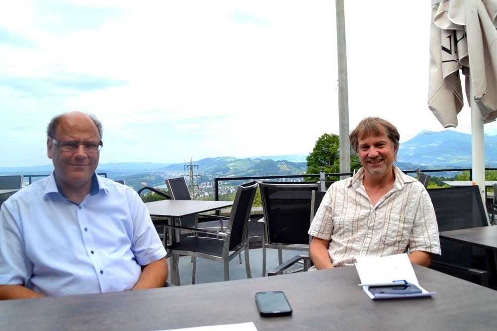 Im Gespräch mit zentral+: Matthias Senn (links) und Cyrill Wiget.