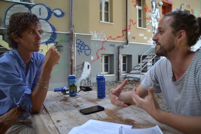 Hinterm Sedel: Peter «Pidi»Steger (links) und Martin Fischer von Huck Finn im Gespräch mit zentral+.