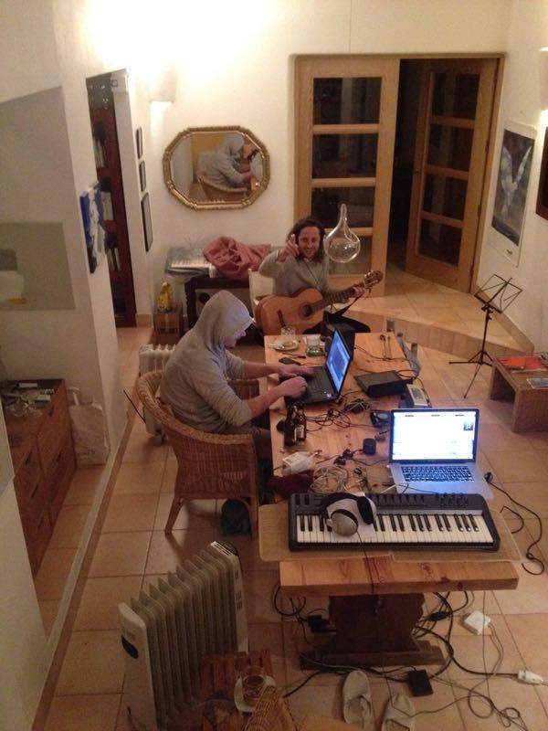 Nachtsession während den Aufnahmen im spanischen Formentera.