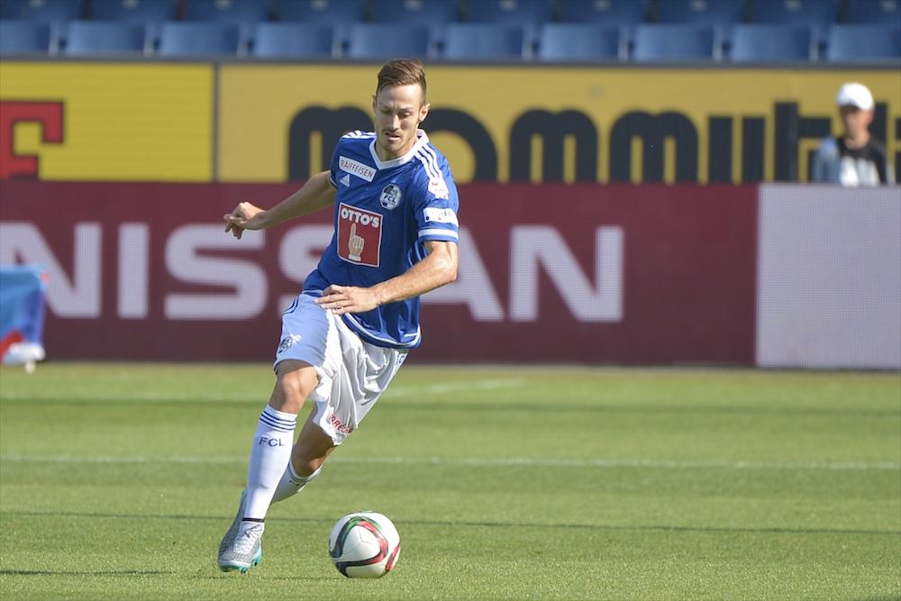Francois Affolter am Ball. Hier im ersten Saisonspiel gegen den FC Sion (Foto: Martin Meienberger / meienberger-photo.ch).