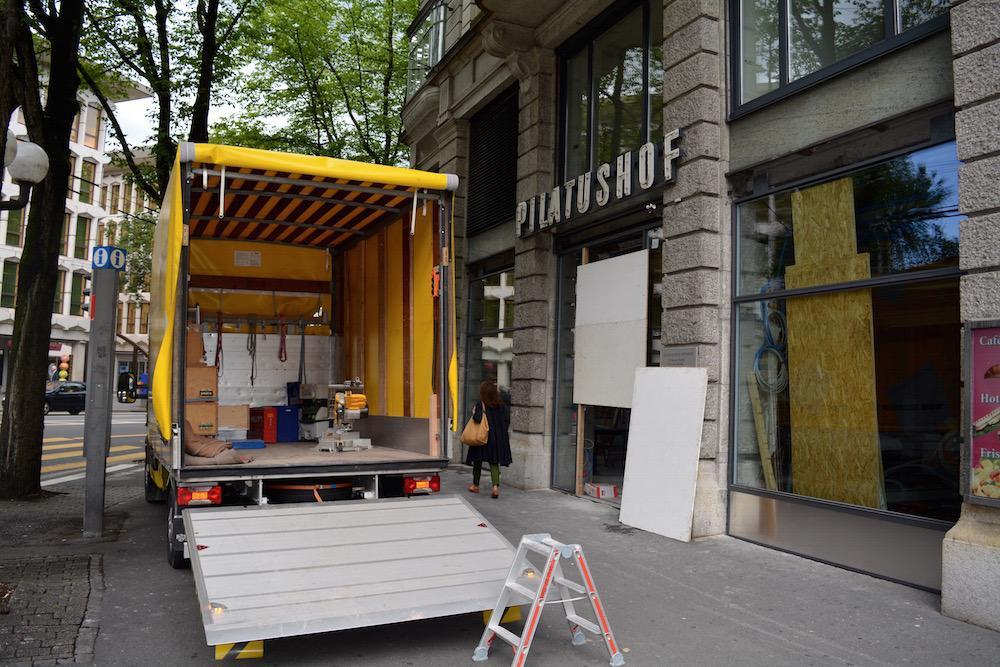 In das Gebäude rechts kommt bald das neue Bachmann-Café «La vie en rose».