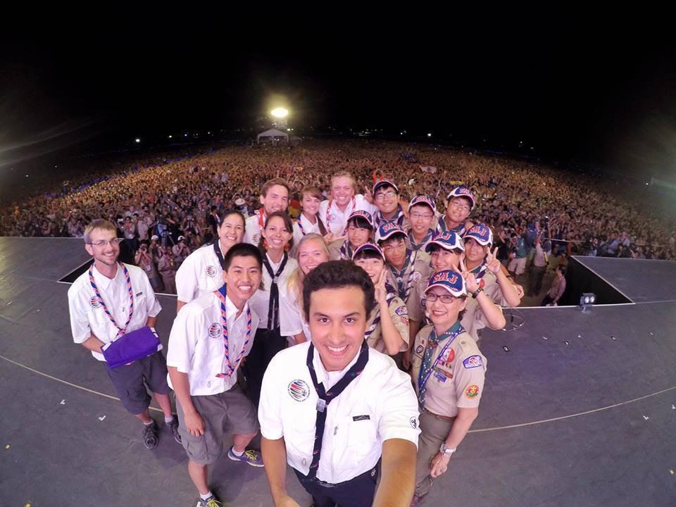 Die offizielle Leitung des Jamborees macht ein Selfie mit über 30'000 Pfadfindern.