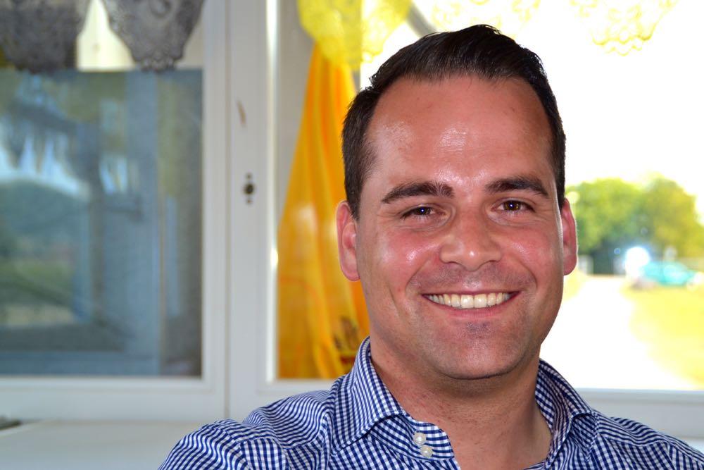Trotz unsicherem Wahlausgang strahlt Damian Müller Zuversicht aus.