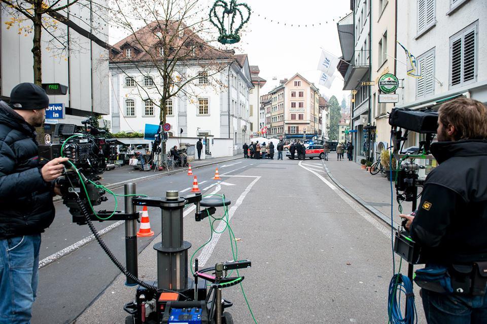 Tatort-Szene in Luzerns Gassen: Die Gelder der Stadt für die Filmförderung werden auch für die Kosten von solchen Sperrungen verwendet.