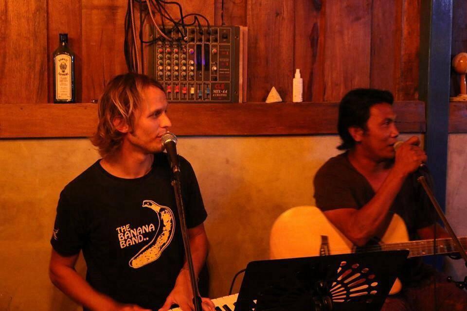 In der «Elephant Bar» auf Koh Lipe arbeitet Roman Peter als Barpianist.