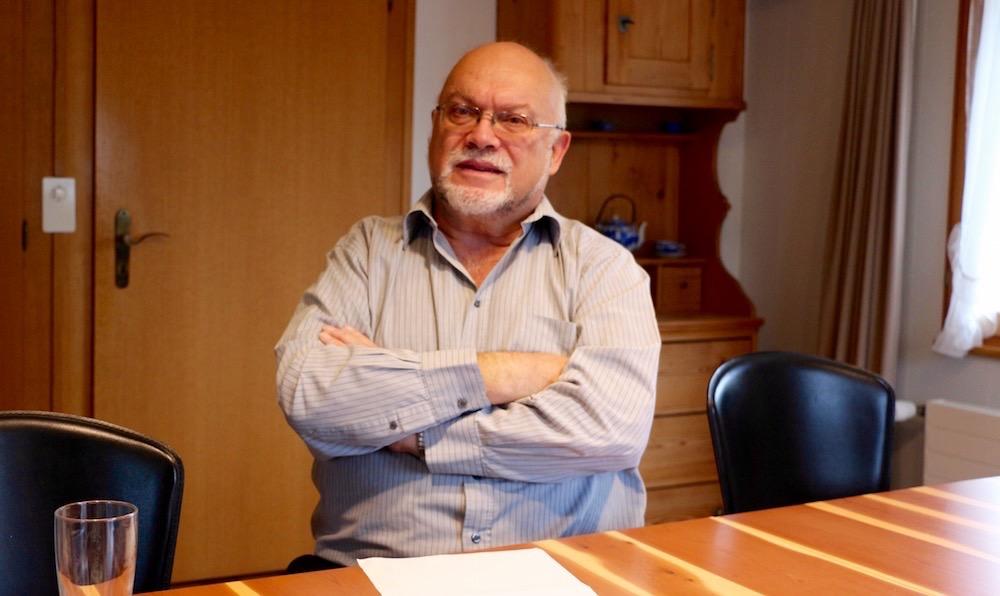 Der abtretende Nationalrat Ruedi Lustenberger bei sich zu Hause in Romoos. Er wünscht sich, dass das Entlebuch auch in Zukunft in Bundesbern repräsentiert wird.