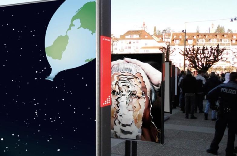 Arbeiten der Fachklasse Grafik: Vernissage «Denkzettel» zum Jahreswechsel beim Theaterplatz Luzern im Januar 2015.