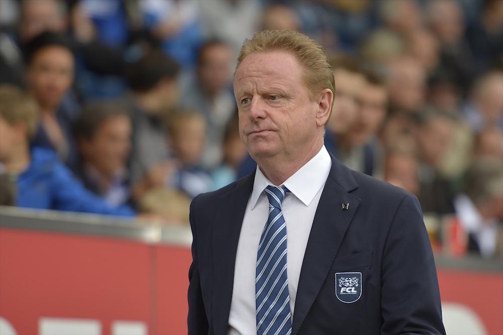 Hat den Trainingsanzug gegen die Krawatte getauscht. FCL-Sportchef Rolf Fringer (Bild: Martin Meienberger).
