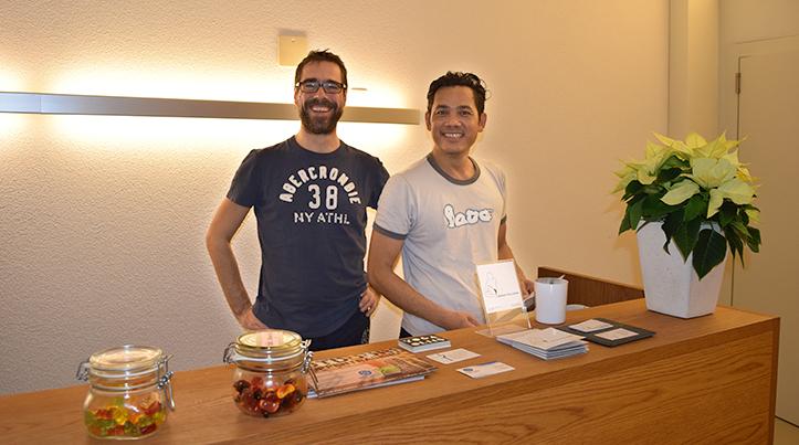 Die beiden Yoga-Lehrer im Bikram Yoga Luzern: Beat Urech und Sathean Dax Dissopa (v.l.)