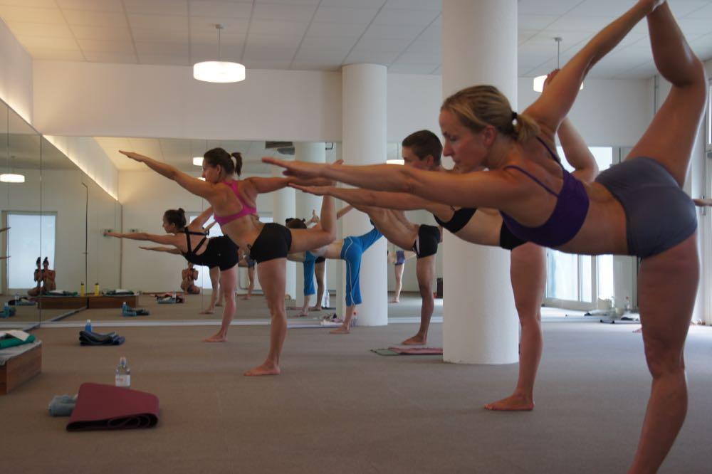 Bikram – alltagssprachlich auch Sauna Yoga genannt – gibt es auch in Luzern.