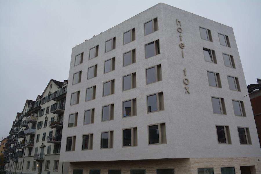Zentral gelegen und günstig: Das Hotel Fox and der Neustadtstrasse 16.