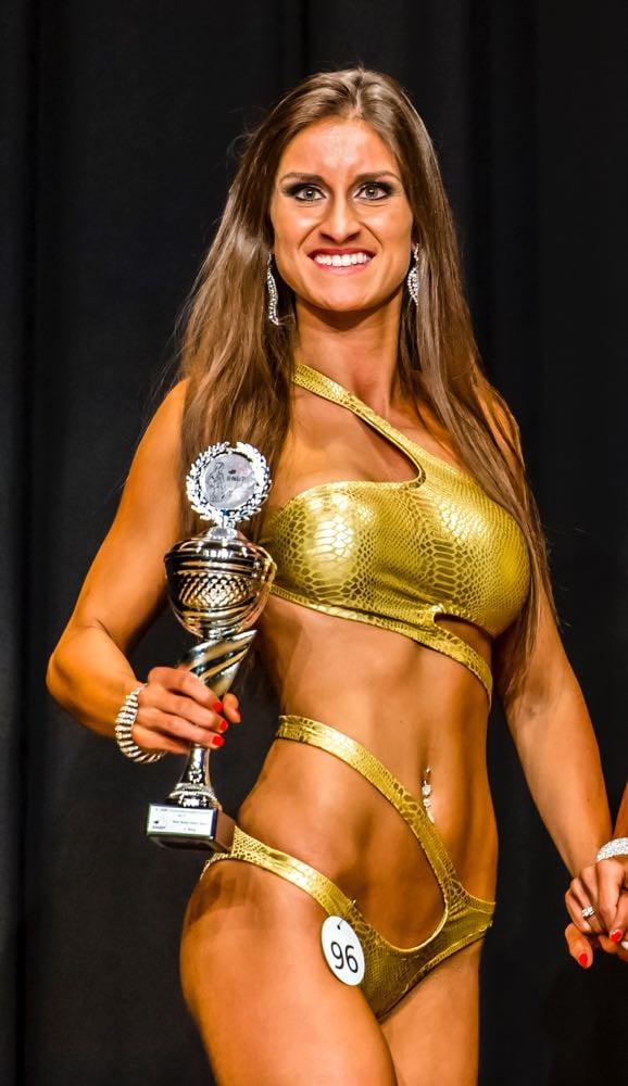 Jessica Gismondi hat anfangs Monat Bronze an der Meisterschaft von der Swiss Natural Bodybuilding and Fitness Federation entgegen genommen.