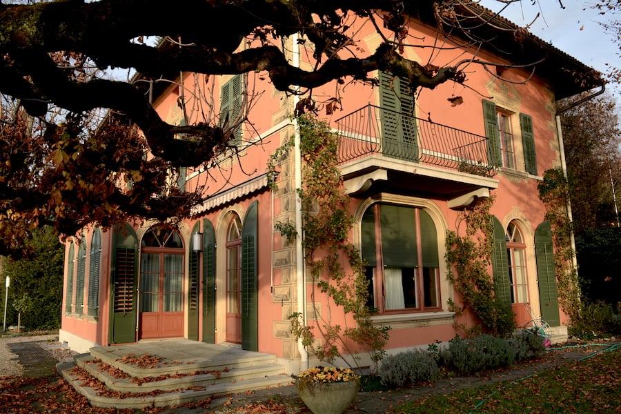 Die westliche Seite der Villa.