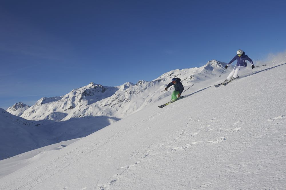 Schneeparadies im Kanton Uri: 120 Pistenkilometer warten in der Skiarena Andermatt-Sedrun.