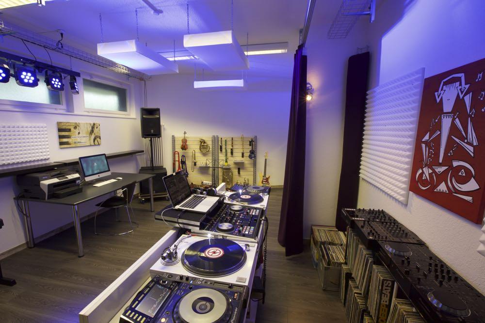 Vereinsmitglieder können das ganze Equipment der Soulfoundation Studios brauchen.
