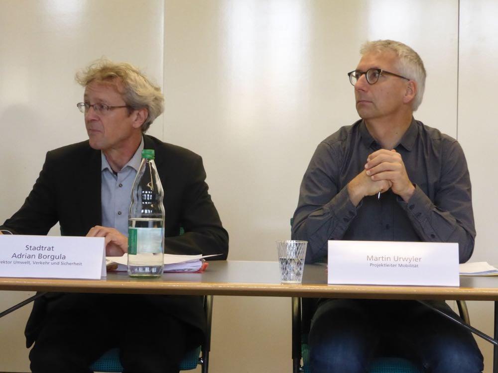 Adrian Borgula (links) und Martin Urwyler an der Medienkonferenz diesen Freitag.
