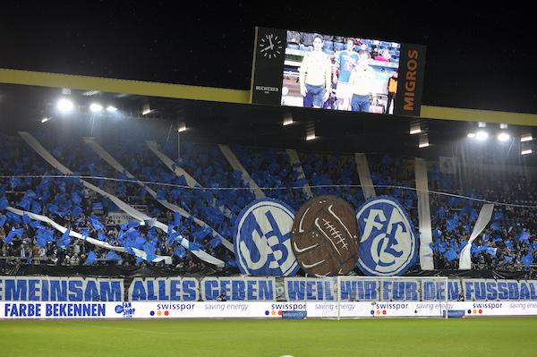 Die FCL-Fans geben immer alles für ihren Herzensverein. Hier am 21. November beim Heimspiel gegen den FC Thun (Foto: Martin Meienberger).