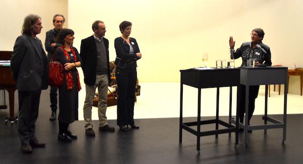 Ursula Stämmer verdankt den alten Vorstand. (Bild: jav)