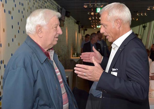Ex-Präsident Romano Simioni (links) im Gespräch mit FCL-Präsident Ruedi Stäger im September 2015.