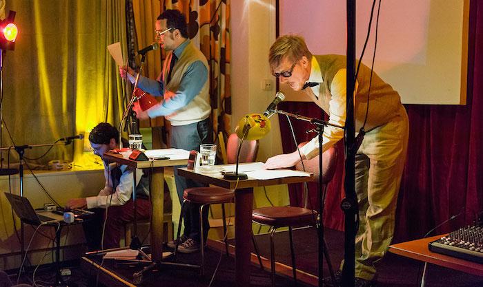 Musik, Bild, Sprache – aus einer Lesung wird eine Art Performance. (Bild: zvg/ Markus Forte)